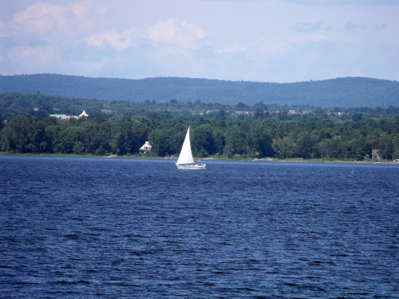 A fine day for a sail on the Ottawa River